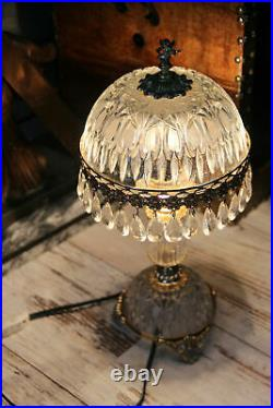 French vintage 1960s crystal glass pendants drops putti figurine table lamp