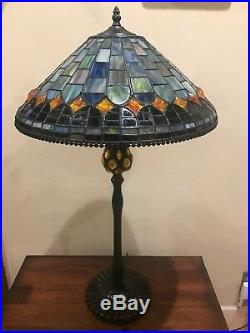 Quoizel TF6347VB 2-Light Tiffany Style Table Lamp Bronze Color, Rare