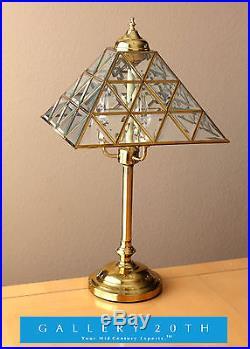 RARE! DECORATOR PYRAMID GLASS & BRASS TABLE LAMP! Interior Design Light Gold Vtg