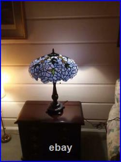 Tiffany-style Wisteria Table Lamp 16 Shade